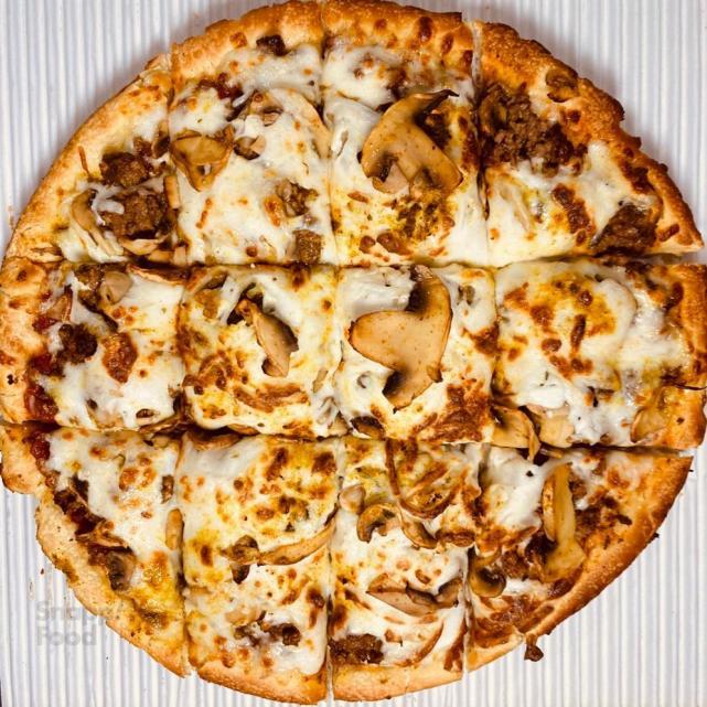 پیتزای قارچ و مرغ