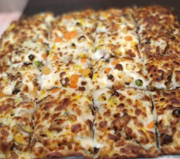 پیتزا گوشت و قارچ بزرگ