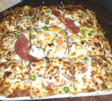 پیتزا پپرونی بزرگ