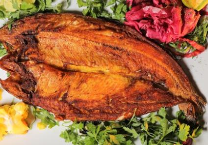 خوراک ماهی قزل آلای سرخ شده