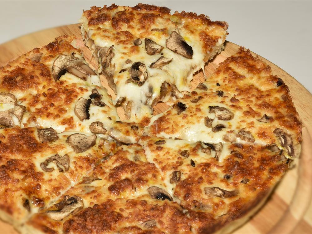 پیتزا قارچ و مرغ