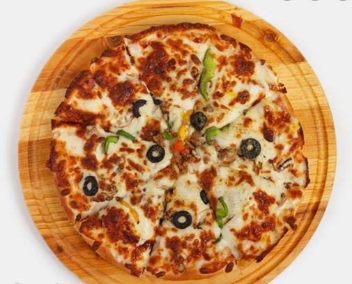 پیتزا مخصوص سرو