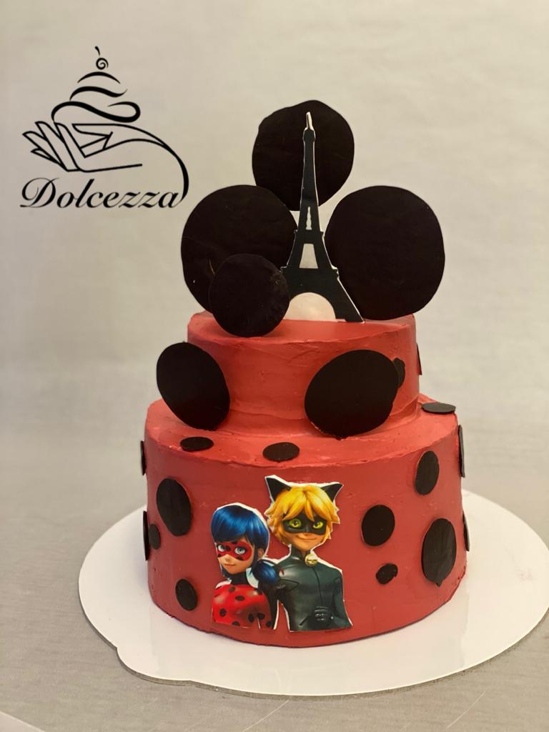 کیک تولد سفارشی بالای ۳ کیلو