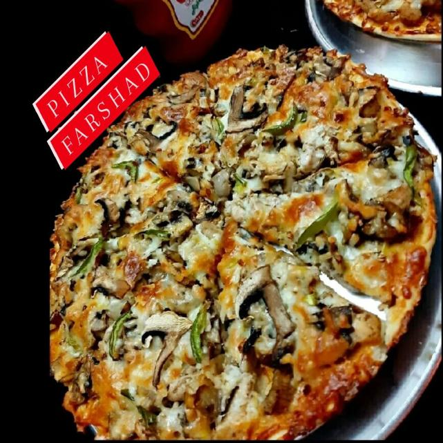 پیتزا گوشت و مرغ