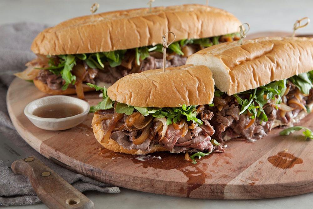 ساندویچ رست بیف با قارچ