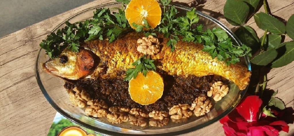 ماهی سفید سرخ کرده مخصوص گیلانی