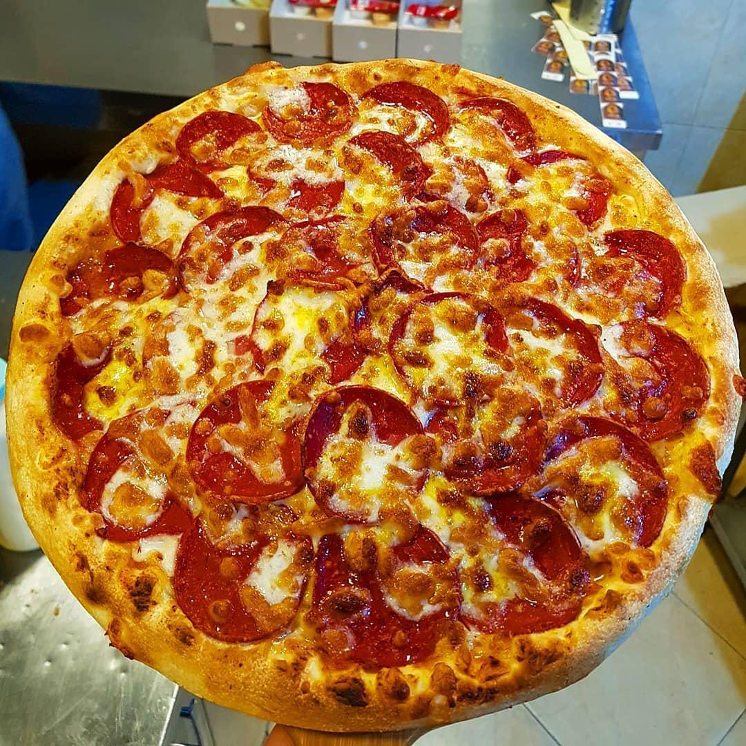 پیتزا پپرونی دو نفره