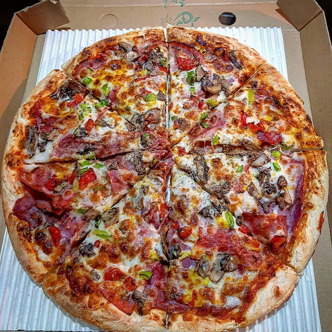 پیتزا مخصوص کوکورچ خانواده