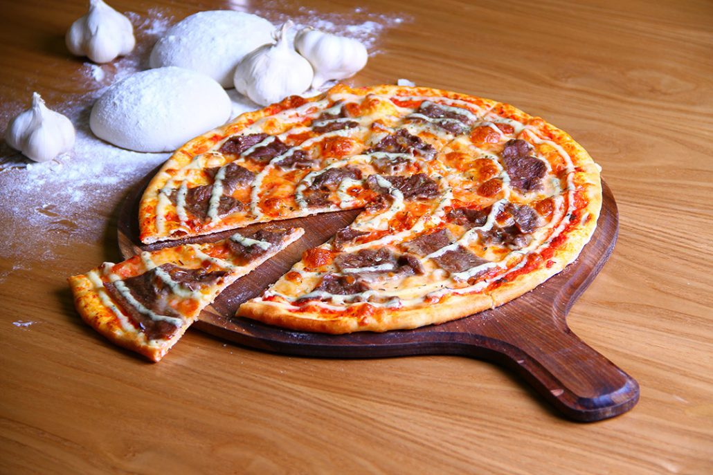 پیتزا سیر و استیک (ایتالیایی)